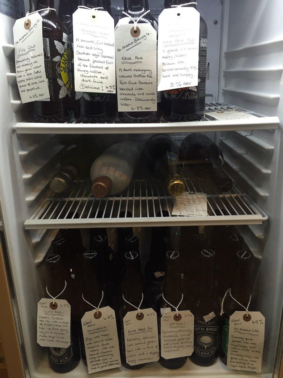 Der Getränkekühlschrank - man trägt einfach in eine Liste ein, was man hatte und in welchem House man ist