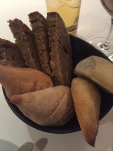 Brotauswahl im The Peat Inn Restaurant