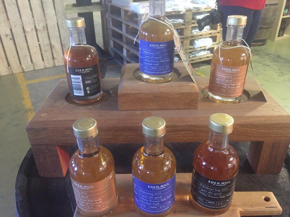 Sammlung der kommenden Whiskys bei Eden Mill ...