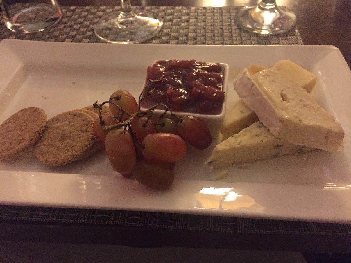 Käseplatte zum Abschluss an diesem Abend im Cardoon Restaurant im Best Western Keavil House Hotel