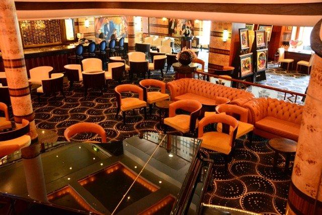 Die Gatsby's Champage Bar liegt zwische La Cucina und Le Bistro