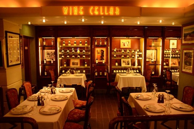 Die Gatsby's Champage Bar liegt zwische La Cucina und Le Bistro.