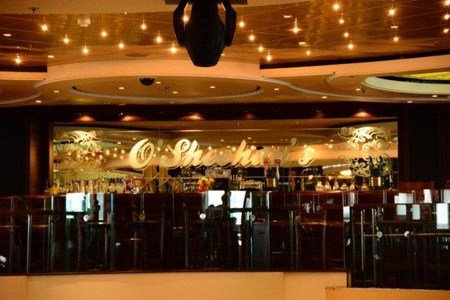 Pub-Essen gibt es im O'Sheehan's Bar & Grill rund um die Uhr
