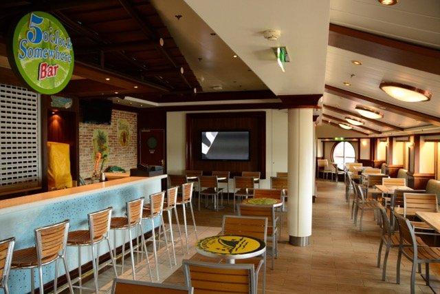 Die 5 O'Clock Somewhere Bar kam mit der Renovierung auf die Norwegian Star
