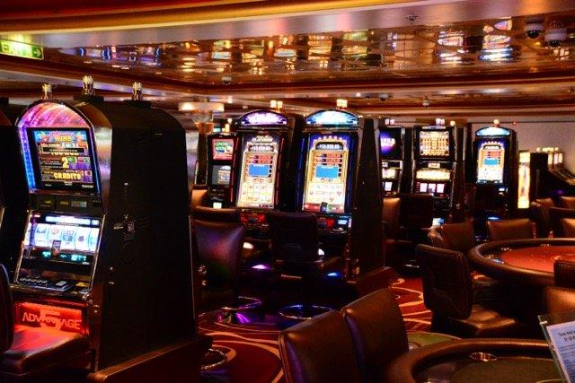 Auch ein Casino darf an Bord nicht fehlen