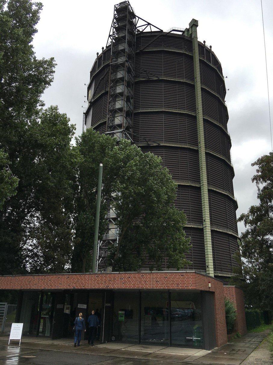 Der Gaskessel in Oberhausen von vor der Kasse