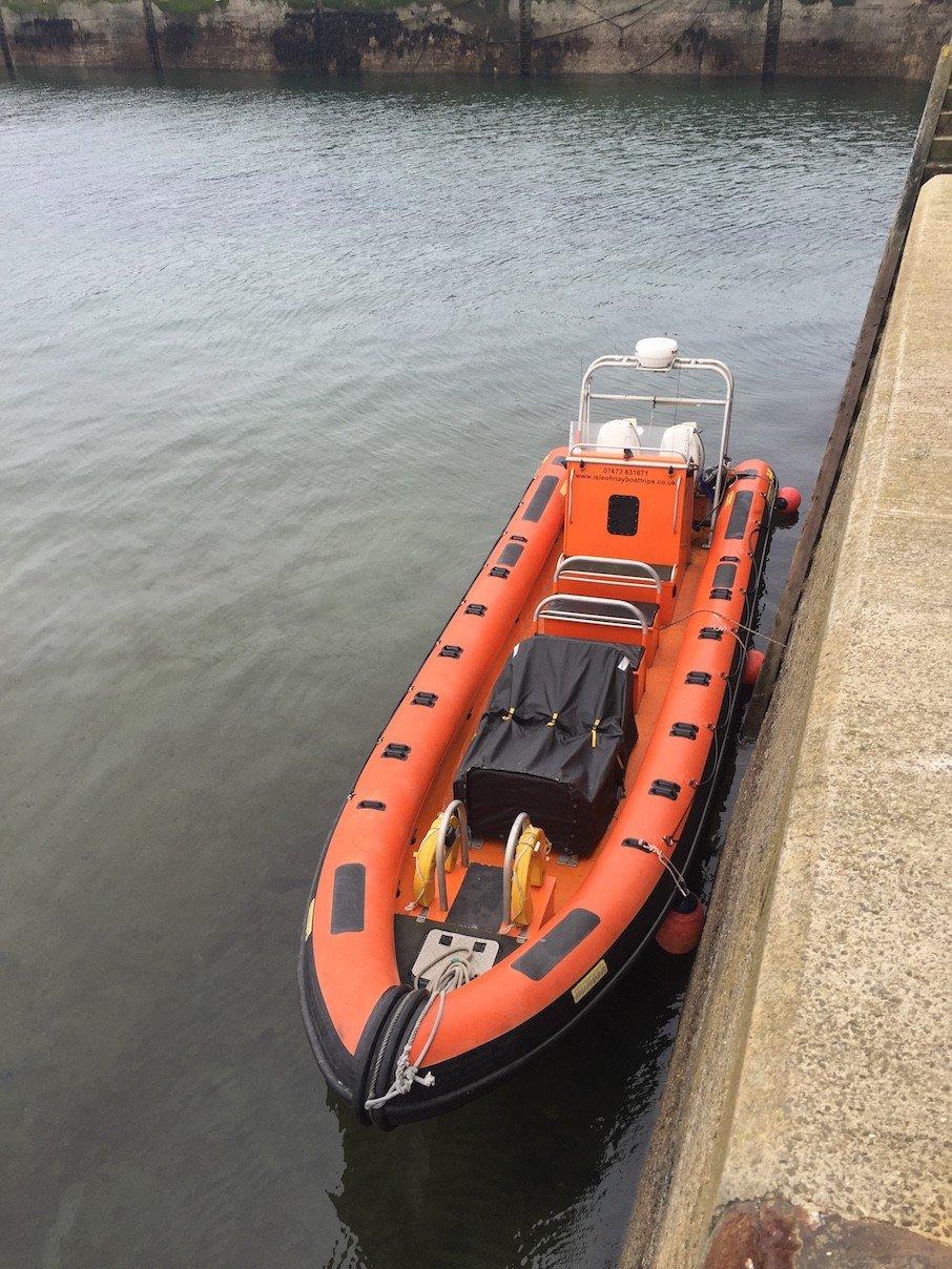 Speedboat für die Überfahrt auf die Isle of May