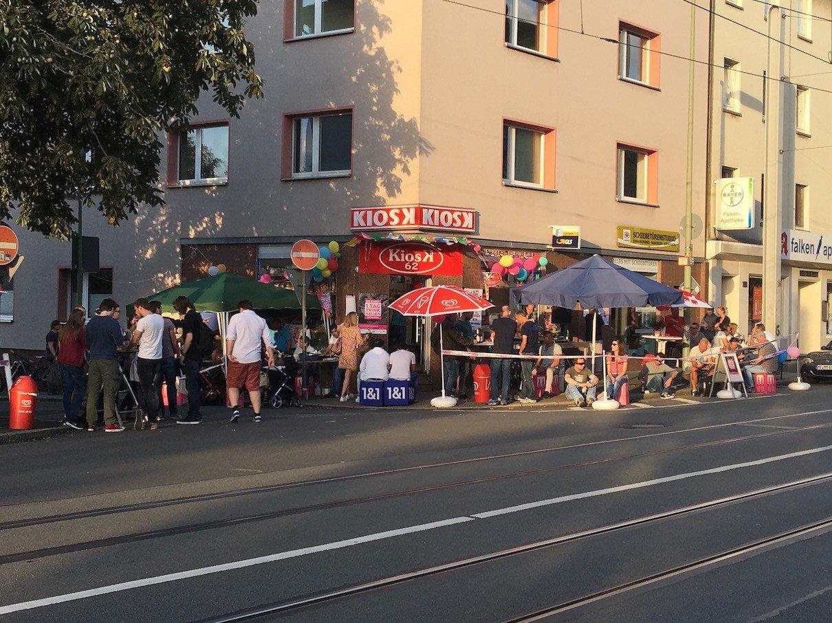 Einiges los am Kiosk 62 in Essen am 1. Tag der Trinkhallen