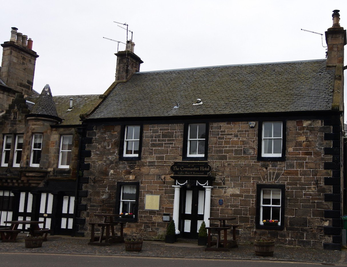 Das Convenanter Hotel in Falkland, das in Outlander als Mrs. Baird's Guesthouse in Inverness dient.