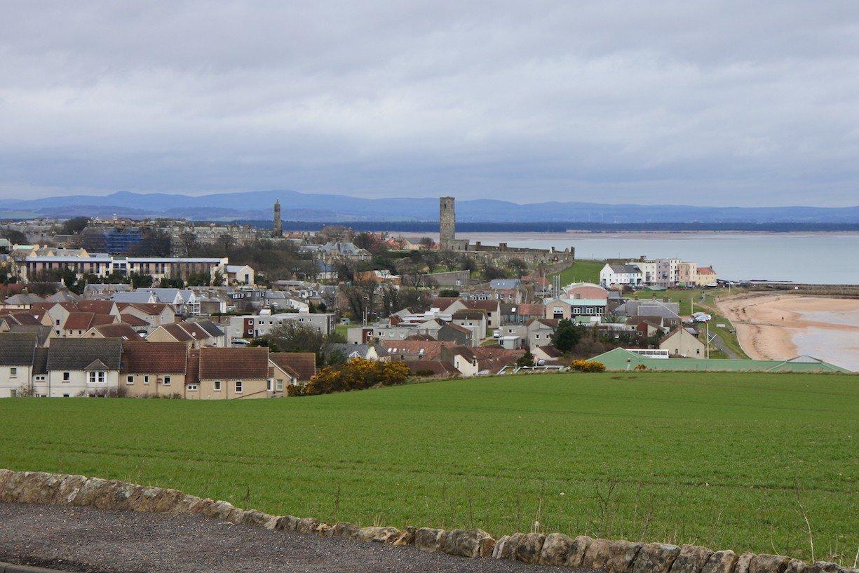 Blick von oben über St Andrews