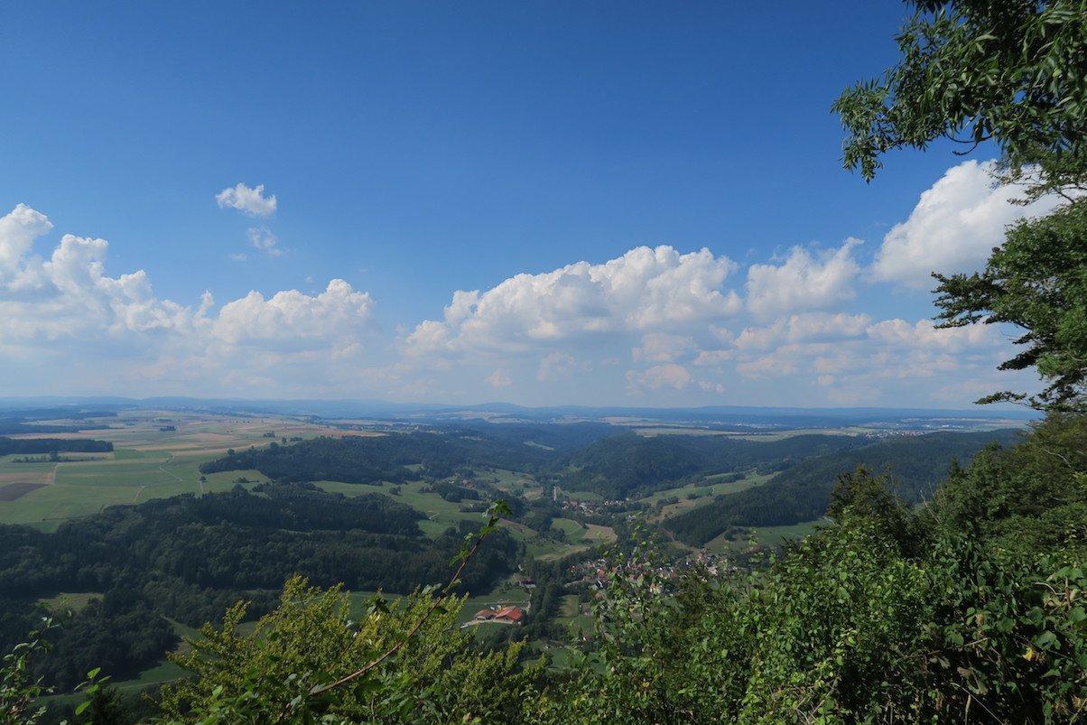 Aussicht vom Buchberg aus über die weite Landschaft des Schwarzwalds