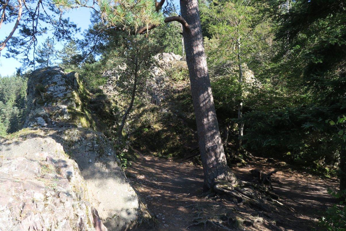 Überreste des Räuberschlössle über der Wutachschlucht