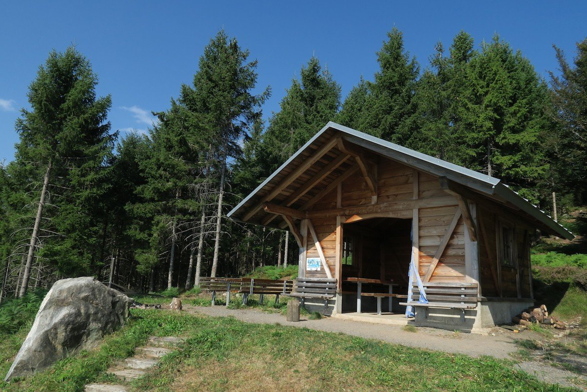 Kreuzfelsenhütte auf dem Schluchtensteig