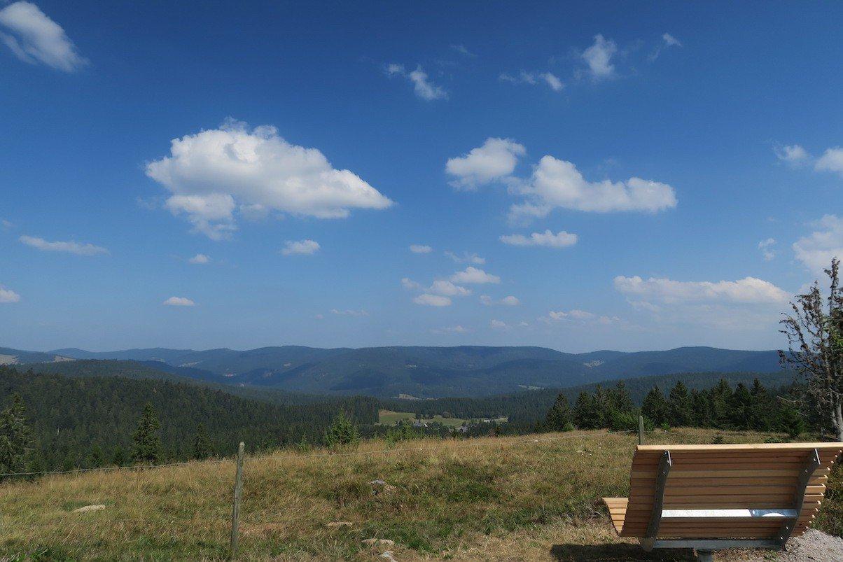 Panoramablick in Richtung der Alpen, nur ist bei dem Wetter nichts zu sehen