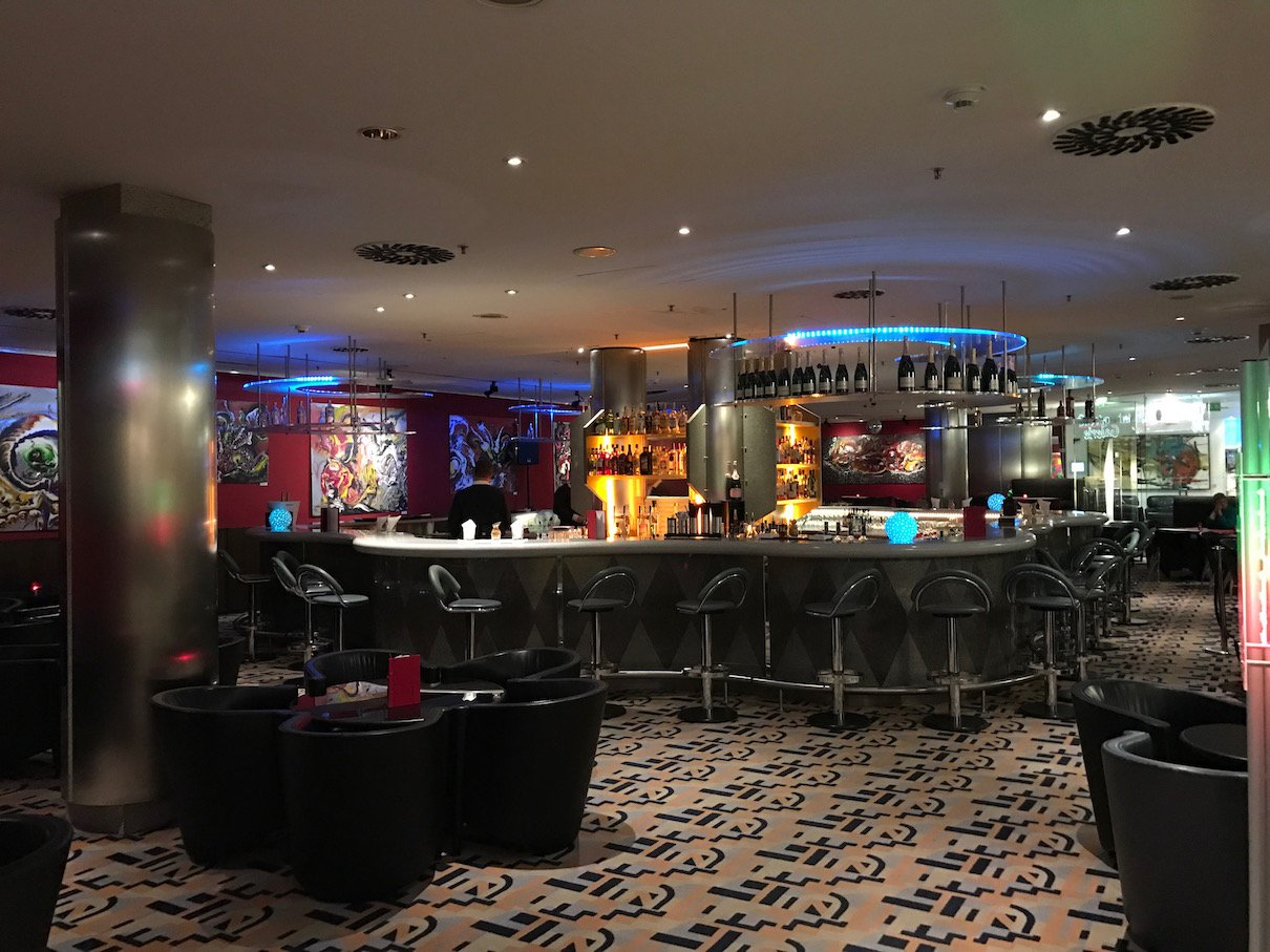 Bar im Maritim proArte Berlin