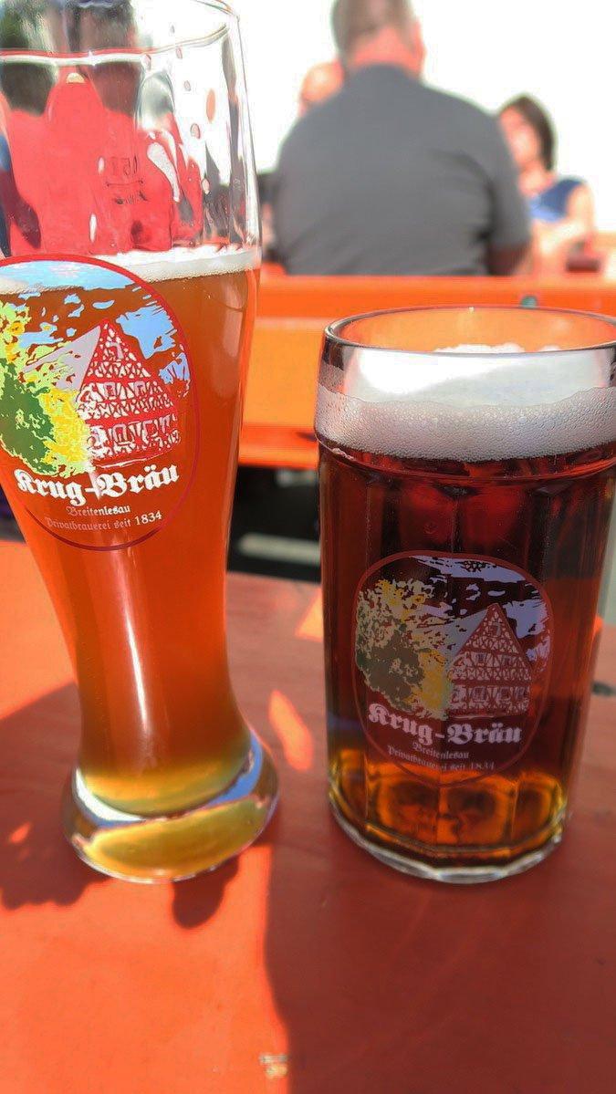 """Das Weizen und das Dunkle (nennt sich übrigens irritierenderweise """"Lager"""" hier) bei Krug Bräu"""