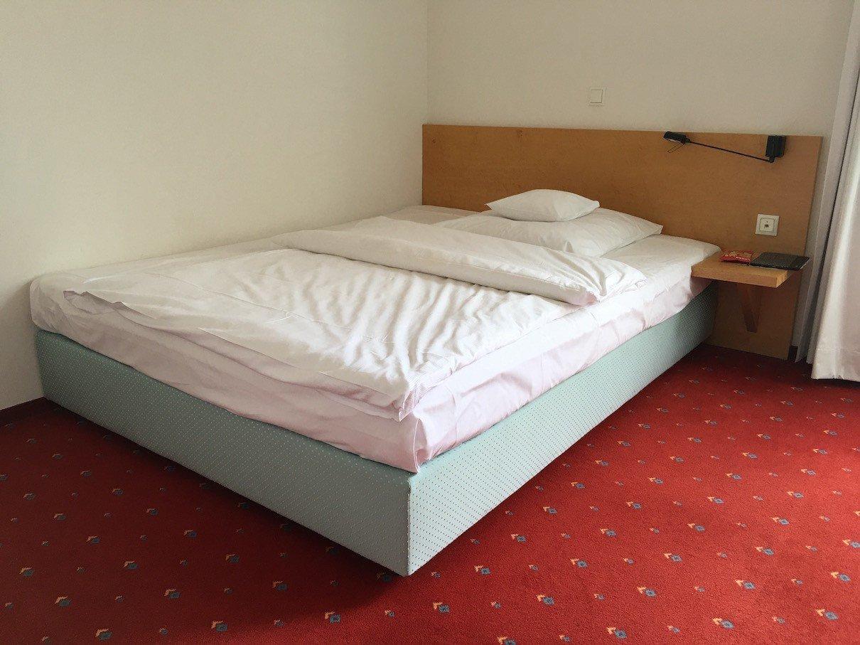 hotel-alte-werft-papenburg-bett