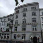 Trübes Wetter - doch das relaxe hotel Bellevue Hamburg zeigt sich trotzdem schick von außen
