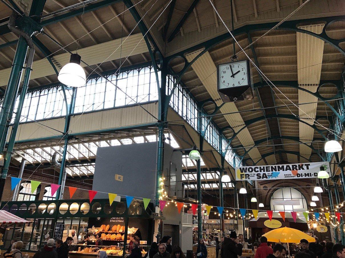 Ein Blick in die Markthalle IX in Kreuzberg