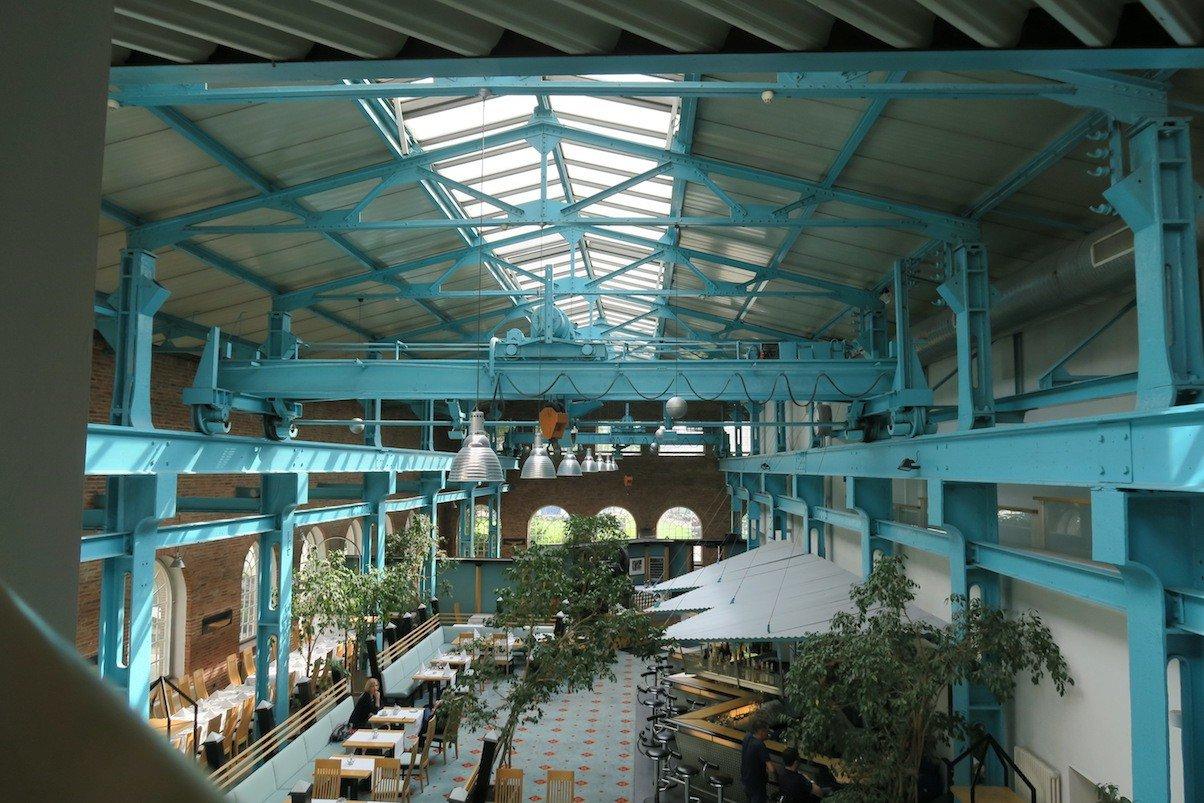 Ehemalige Maschinenbauhalle der Meyer Werft, jetzt Speisesaal und Bar des Hotels Alte Werft Papenburg