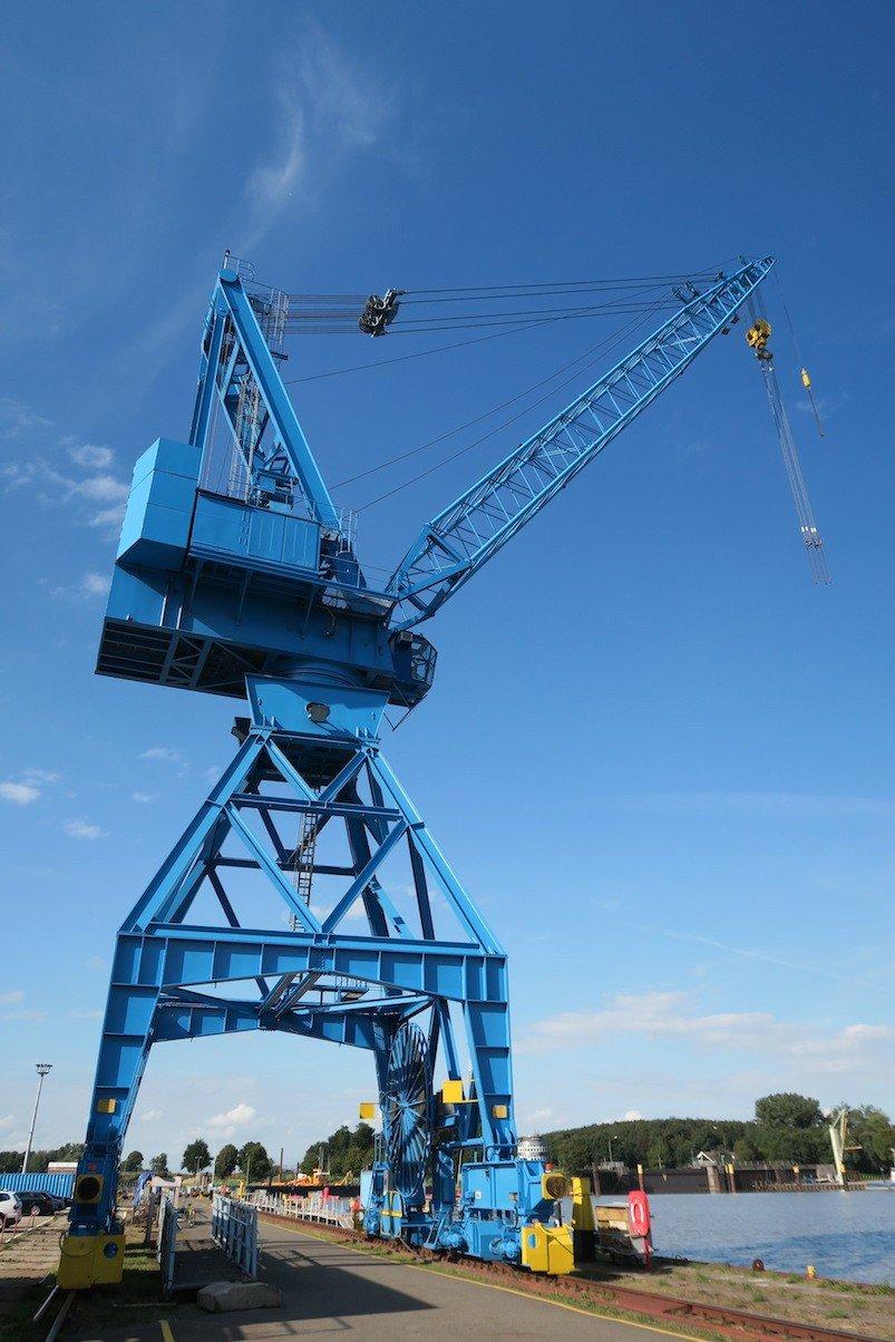 Schiffskrahn in der Meyer Werft