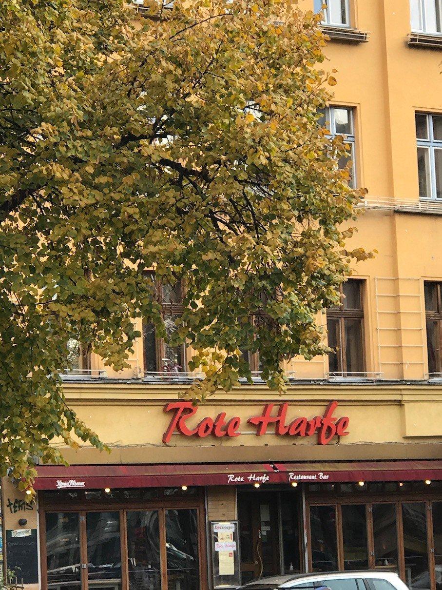Rote Harfe am Heinrichplatz