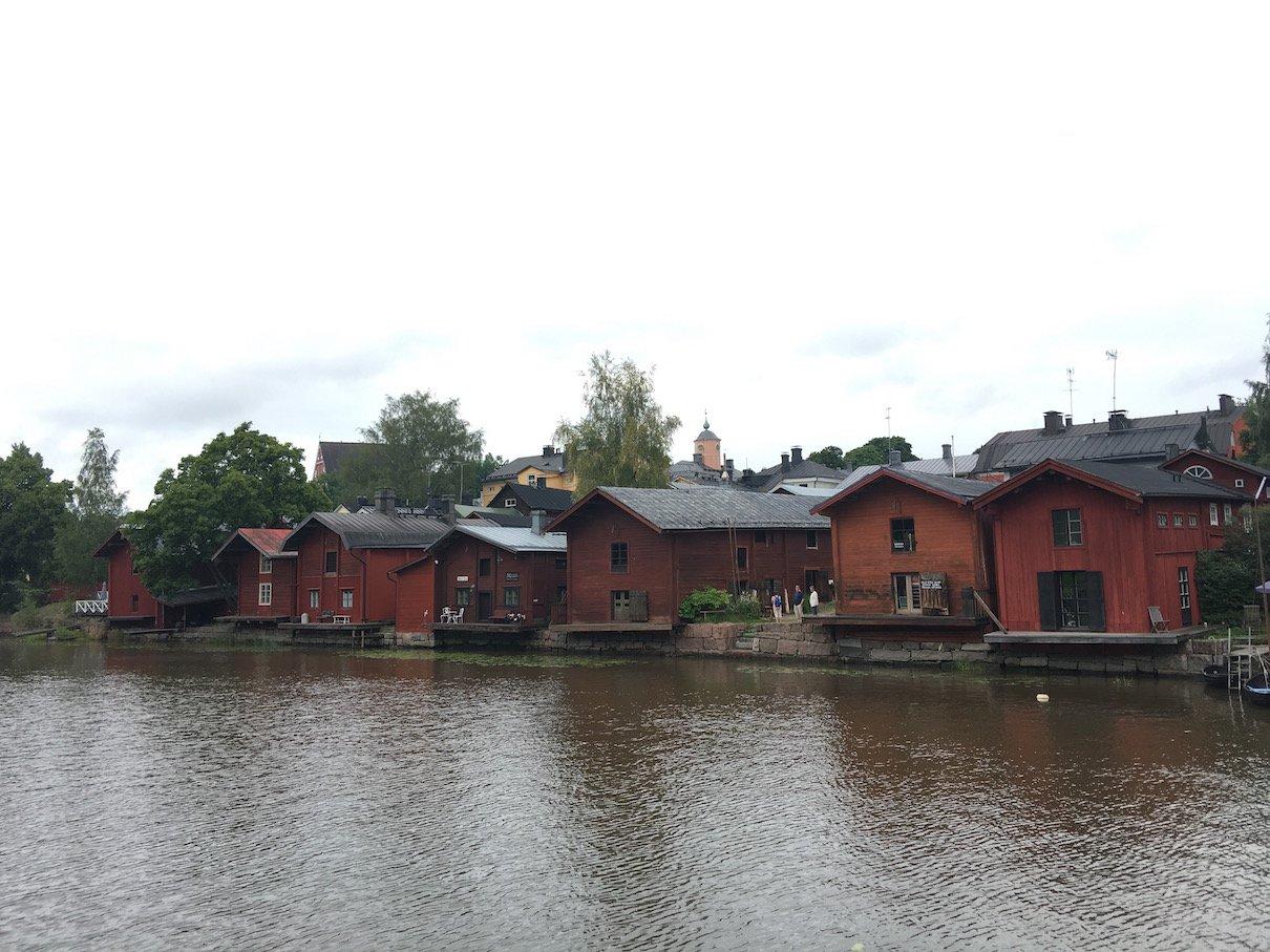 Da sind sie, die roten Häuser von Porvoo