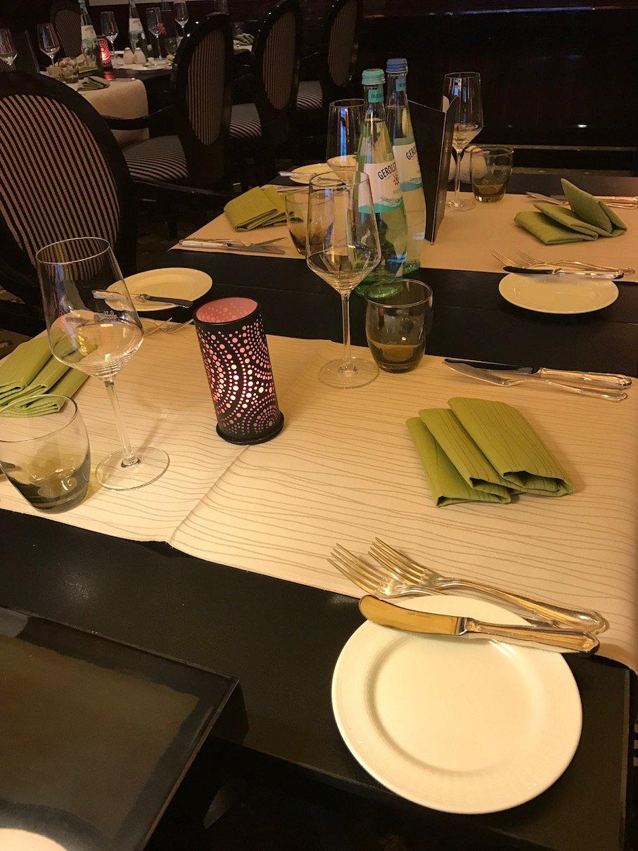Gedeckter Tisch im Restaurant M im Maritim Hotel Berlin