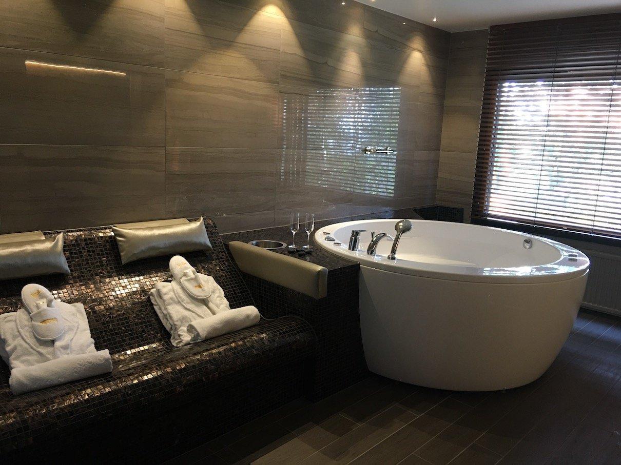 Ein wenig Luxus in der großen Badewanne gefällig?