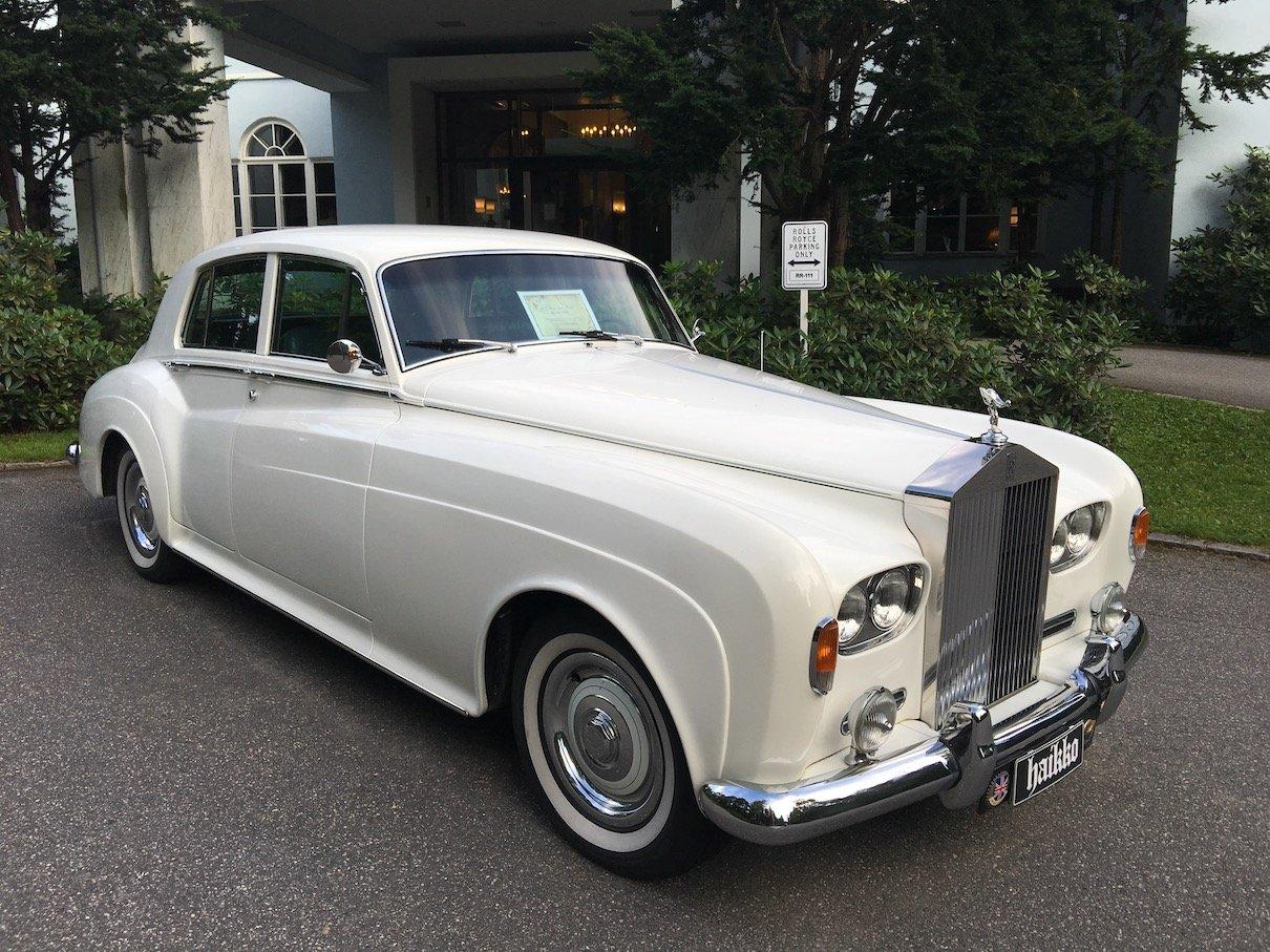 Rolls Royce vor dem Manor Hotel Haikko