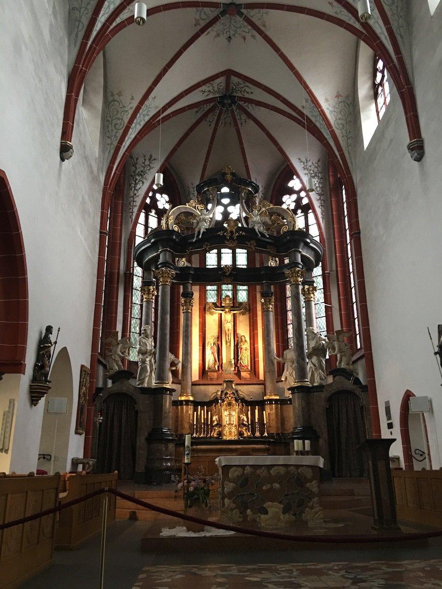 Im Inneren der St. Martin Basilika Bingen