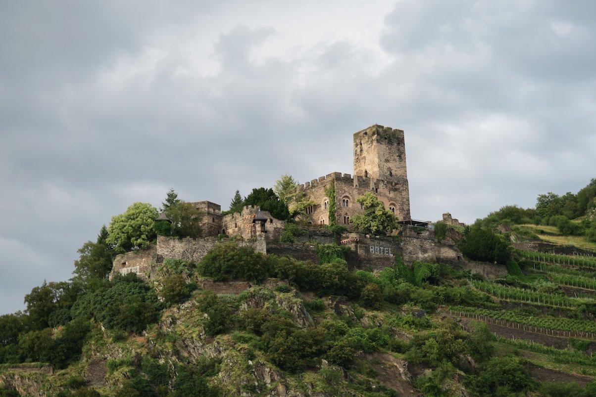 Burg rechtsrheinisch
