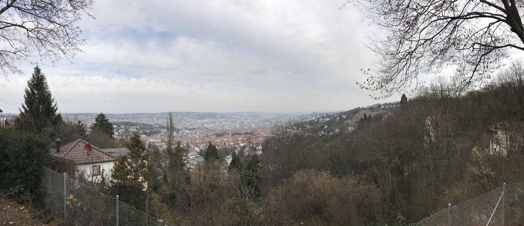 Panoramabild vom Santiago de Chile Platz in Stuttgart Degerloch