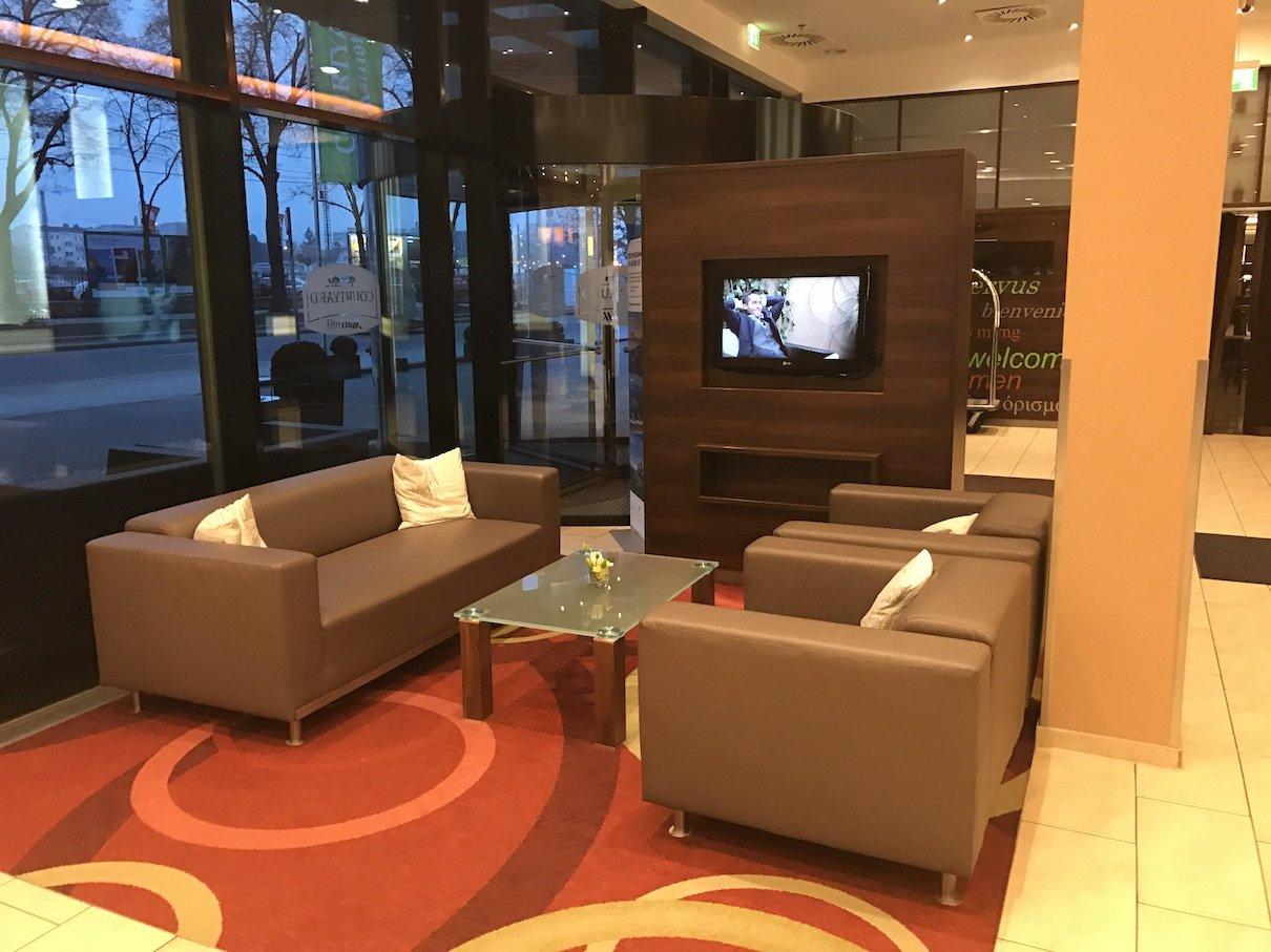 hotel m nchen das courtyard m nchen city ost travellerblog. Black Bedroom Furniture Sets. Home Design Ideas