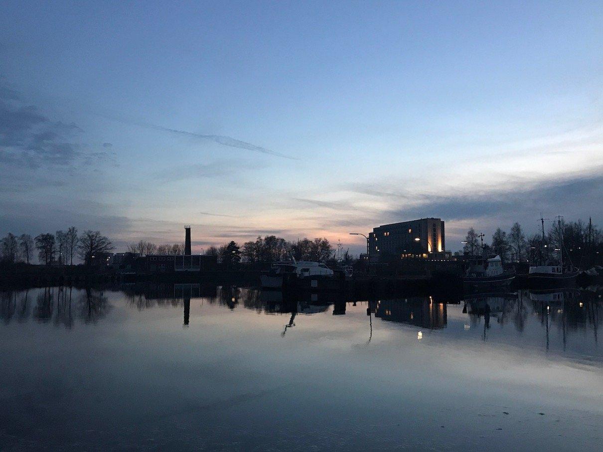 Wilhelmshaven bei Sonnenuntergang