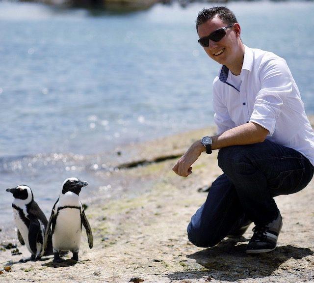 Raphael Jasjukaitis mit Pinguinen