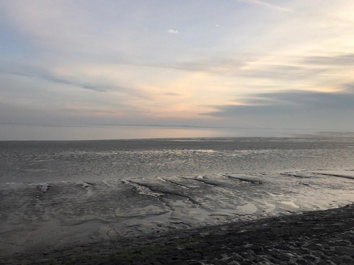Südstrand bei Sonnenuntergang in Wilhelmshaven