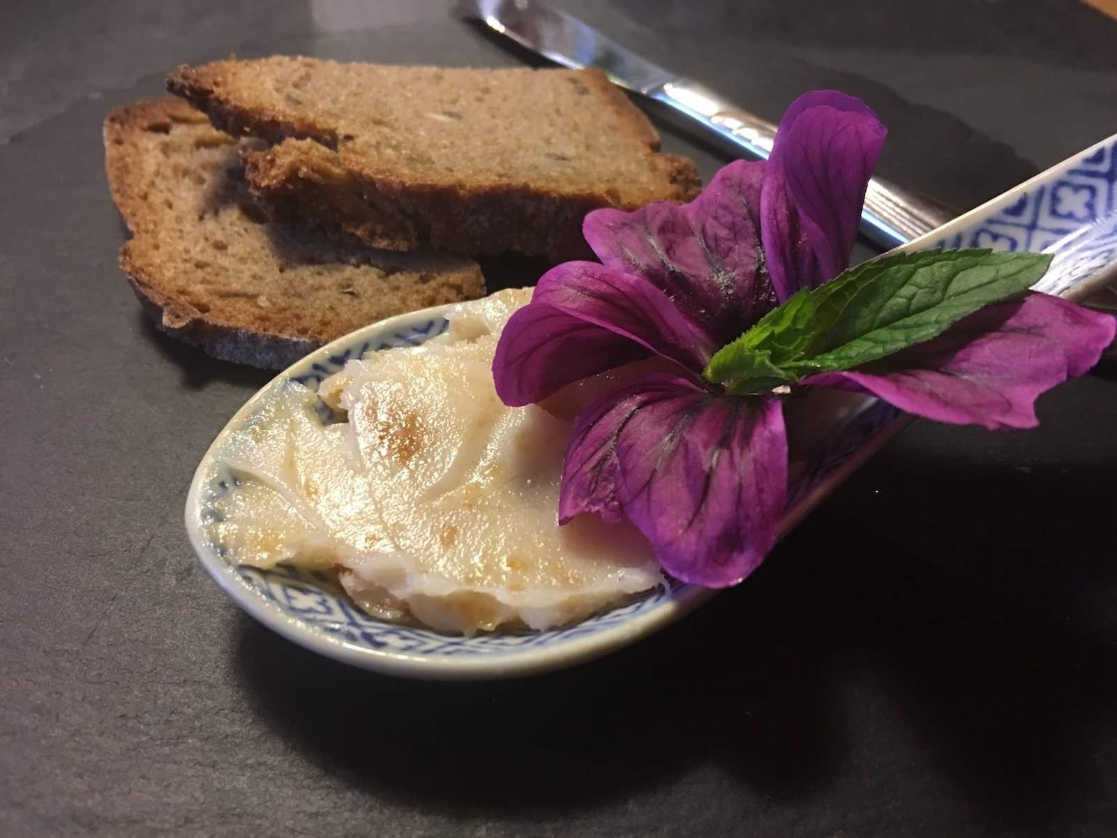 Lecker Schmalz und Brot vorneweg