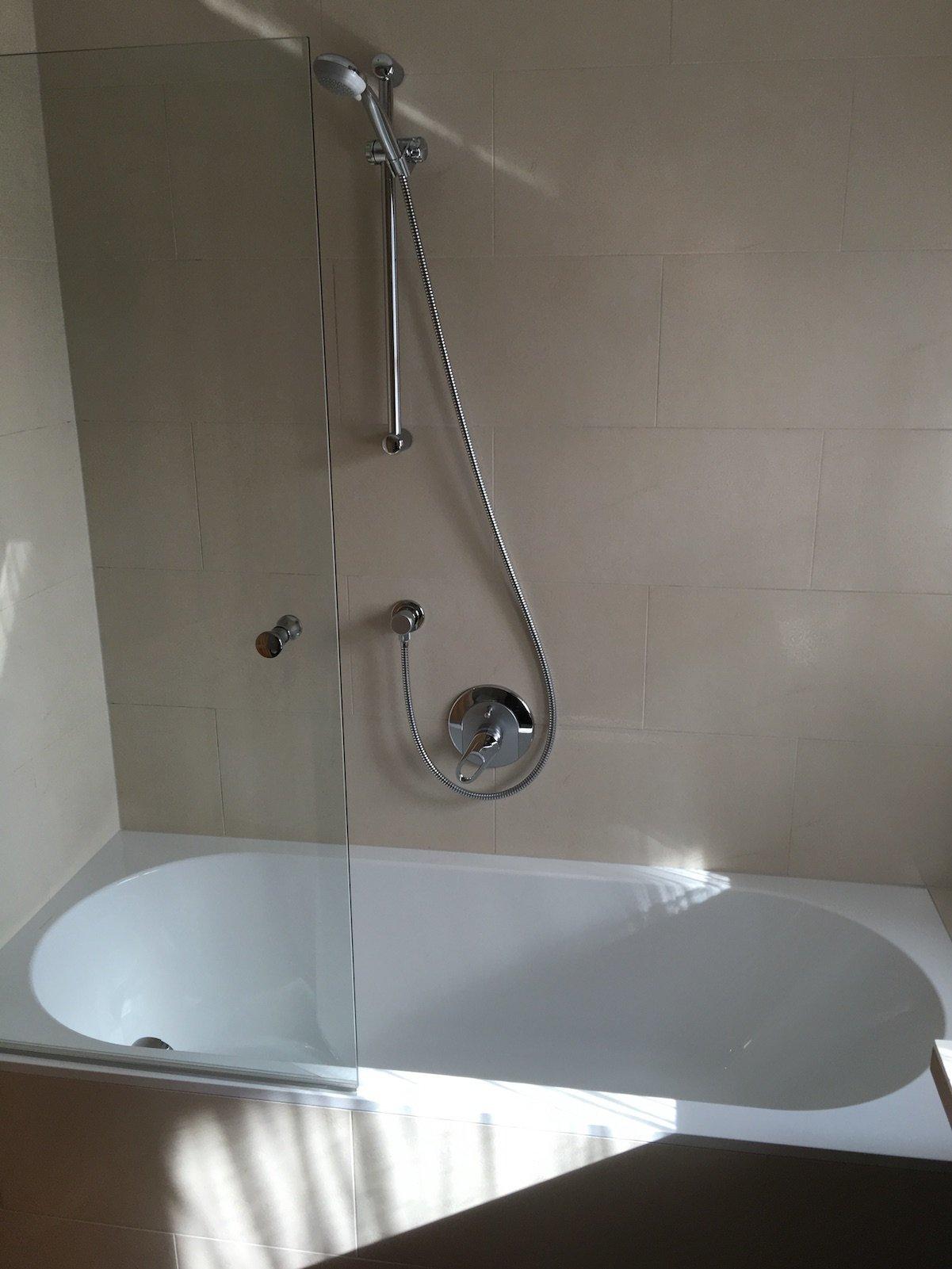 Badewanne in meinem Bad im Hotel Aurora in Lech