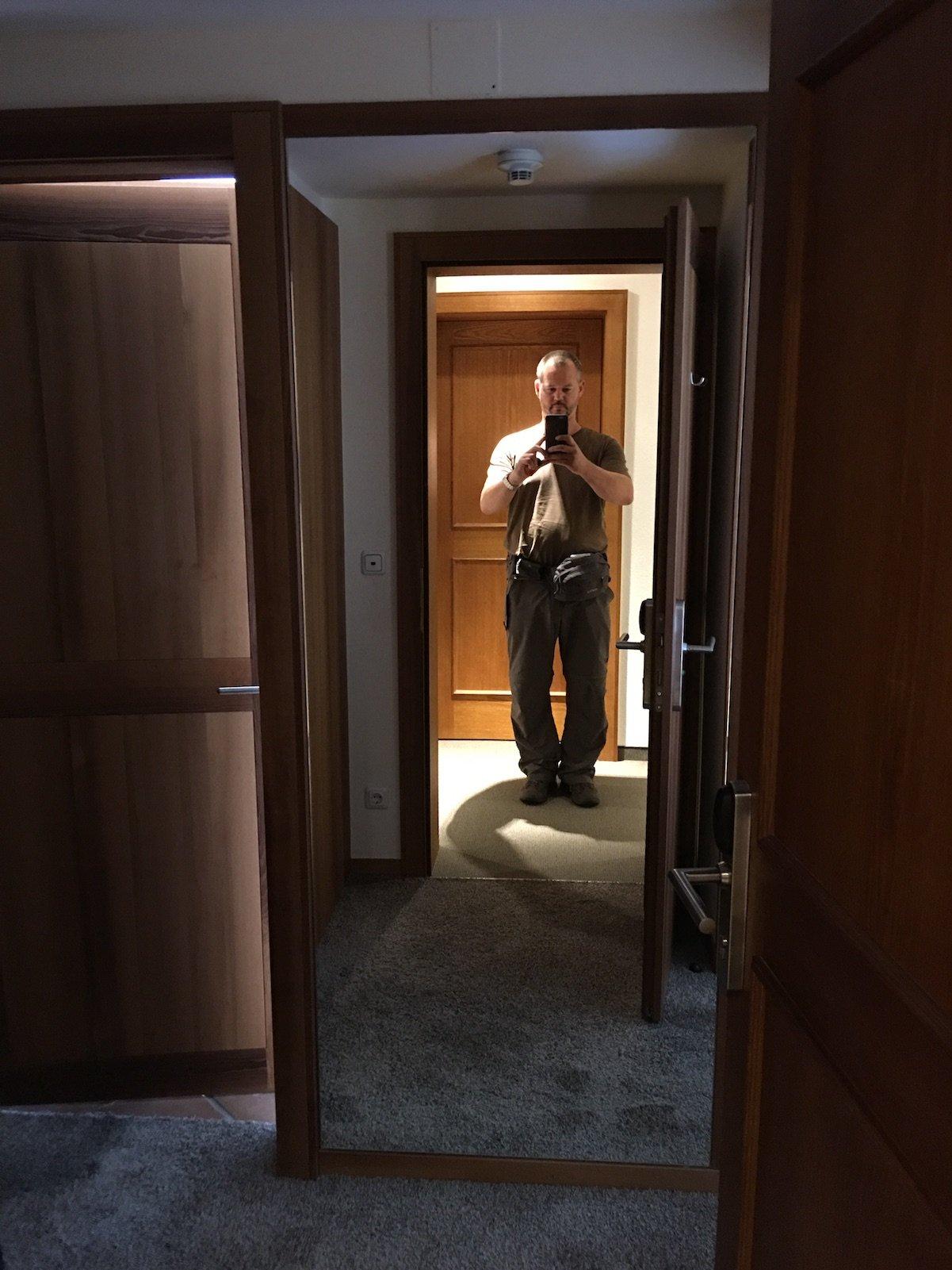 Der erste Blick ins Zimmer im Hotel Aurora - ein Blick in den Spiegel ;)