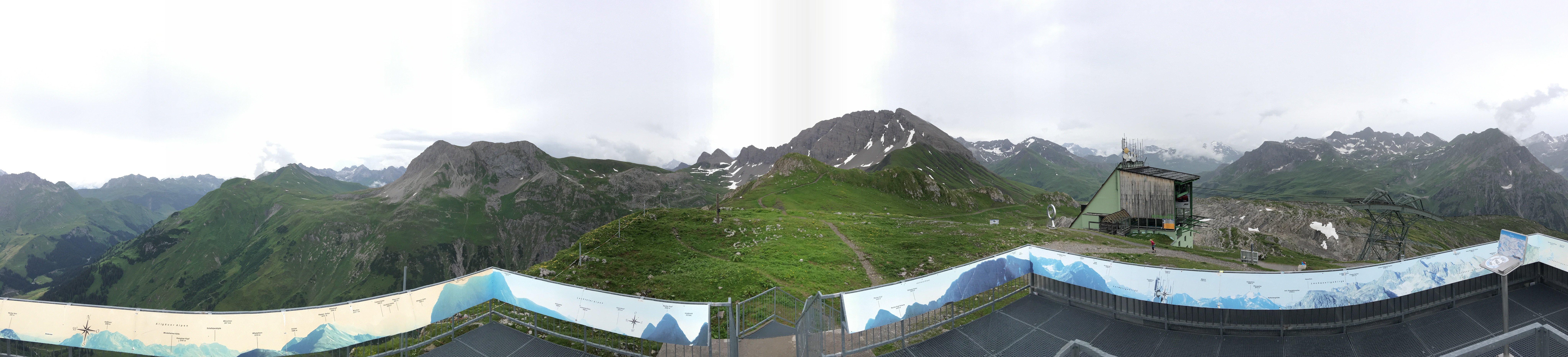 180 Grad Panorama Aufnahme vom Rüfikopf aus
