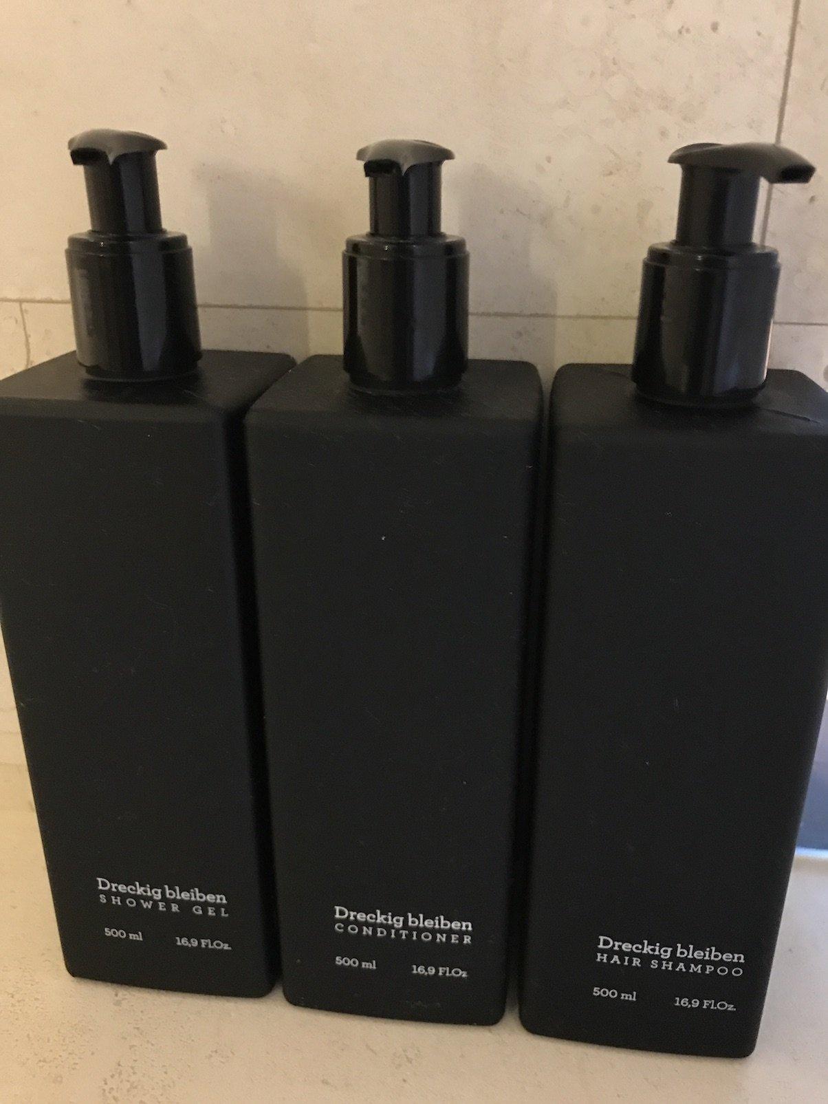 Duschgel, Shampoo und Conditioner: Dreckig bleiben :) im Roomers Baden-Baden