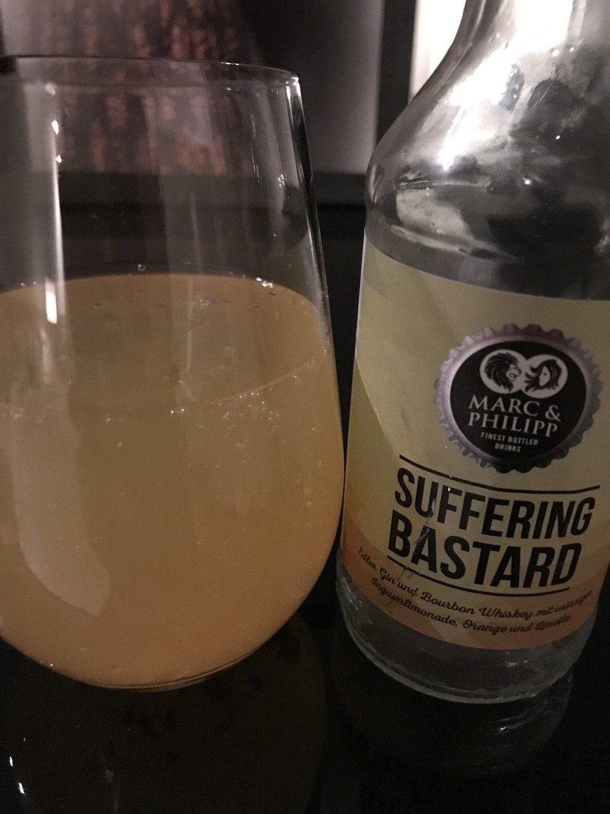 Suffering Bastard - ein Cocktail aus Gin, Bourbon und Ingwerlimonade. Verdammt lecker!