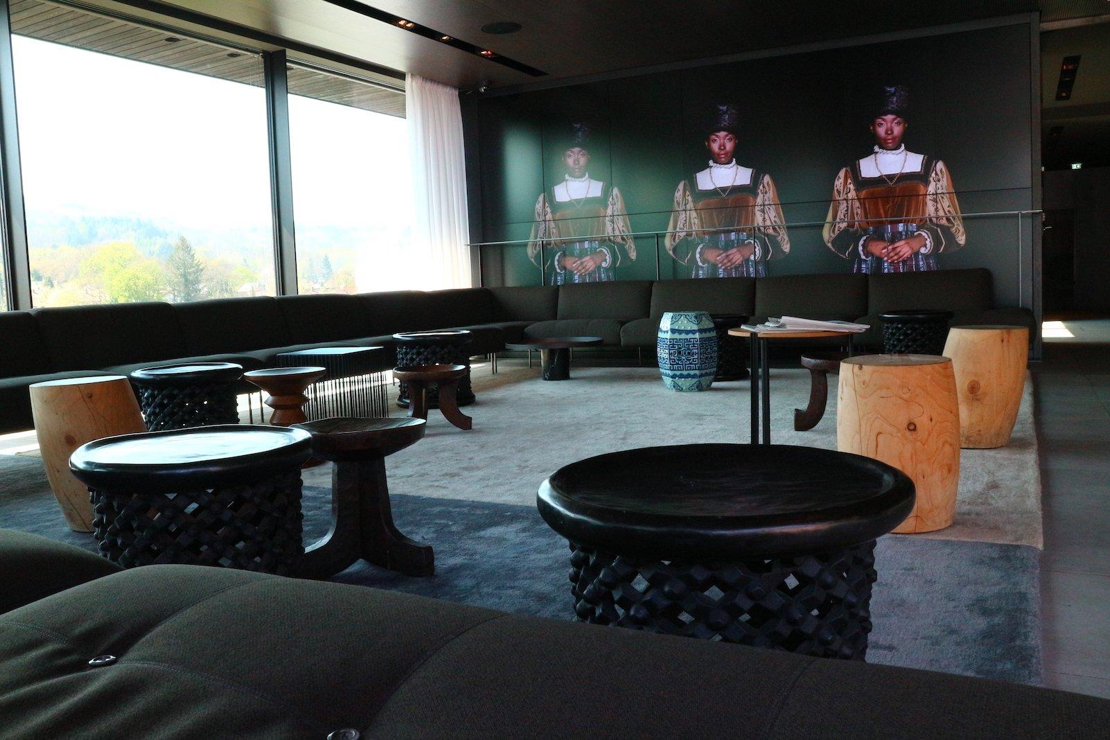 "Der ""loungige"" Teil der Rooftop Bar im Roomers"