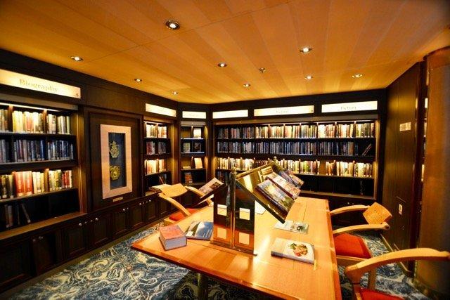 MS Zuiderdam Bibliothek