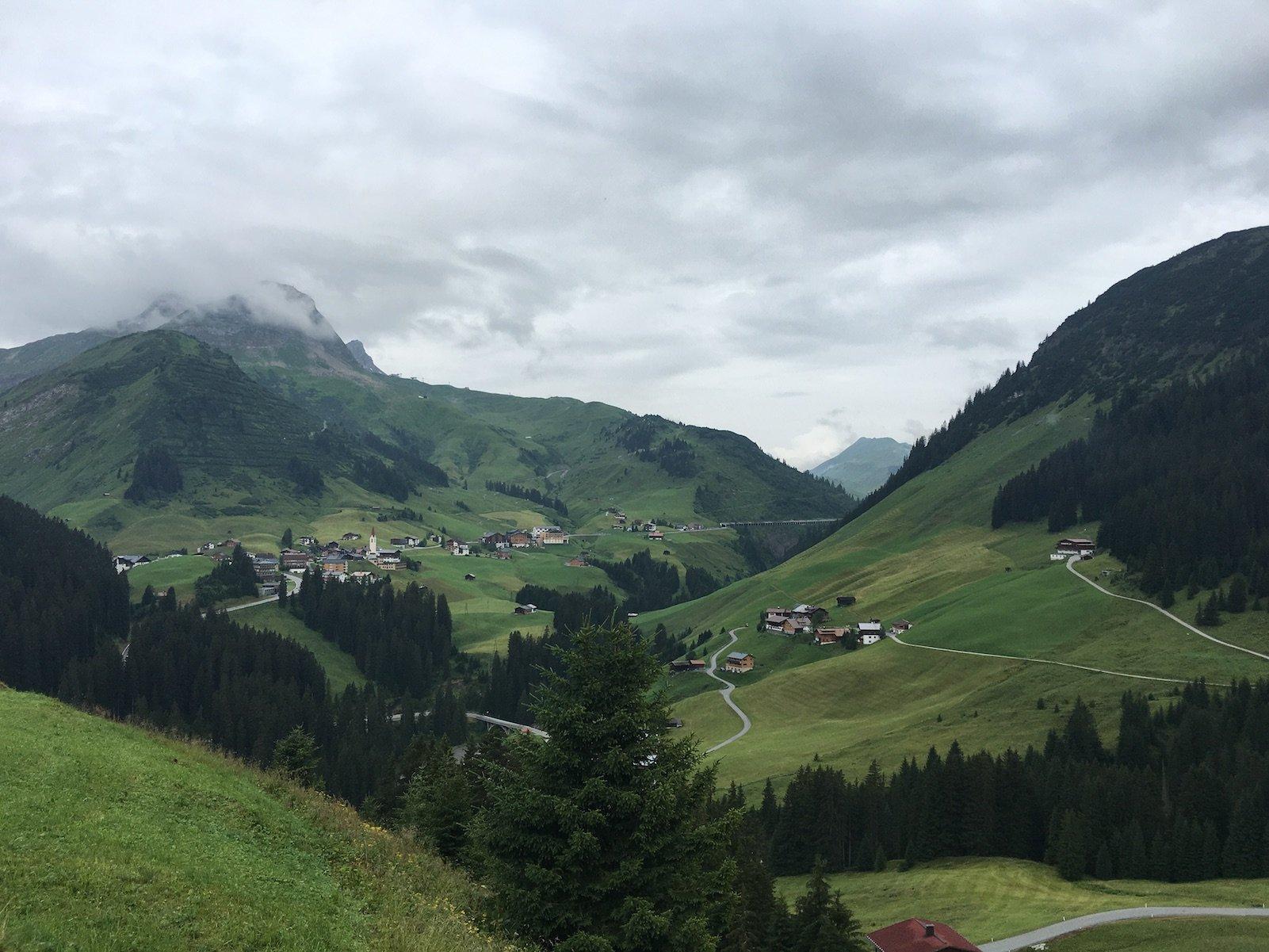 Ausblick auf der 3. Etappe des Lechwegs kurz nach Lechleiten auf dem Lechweg