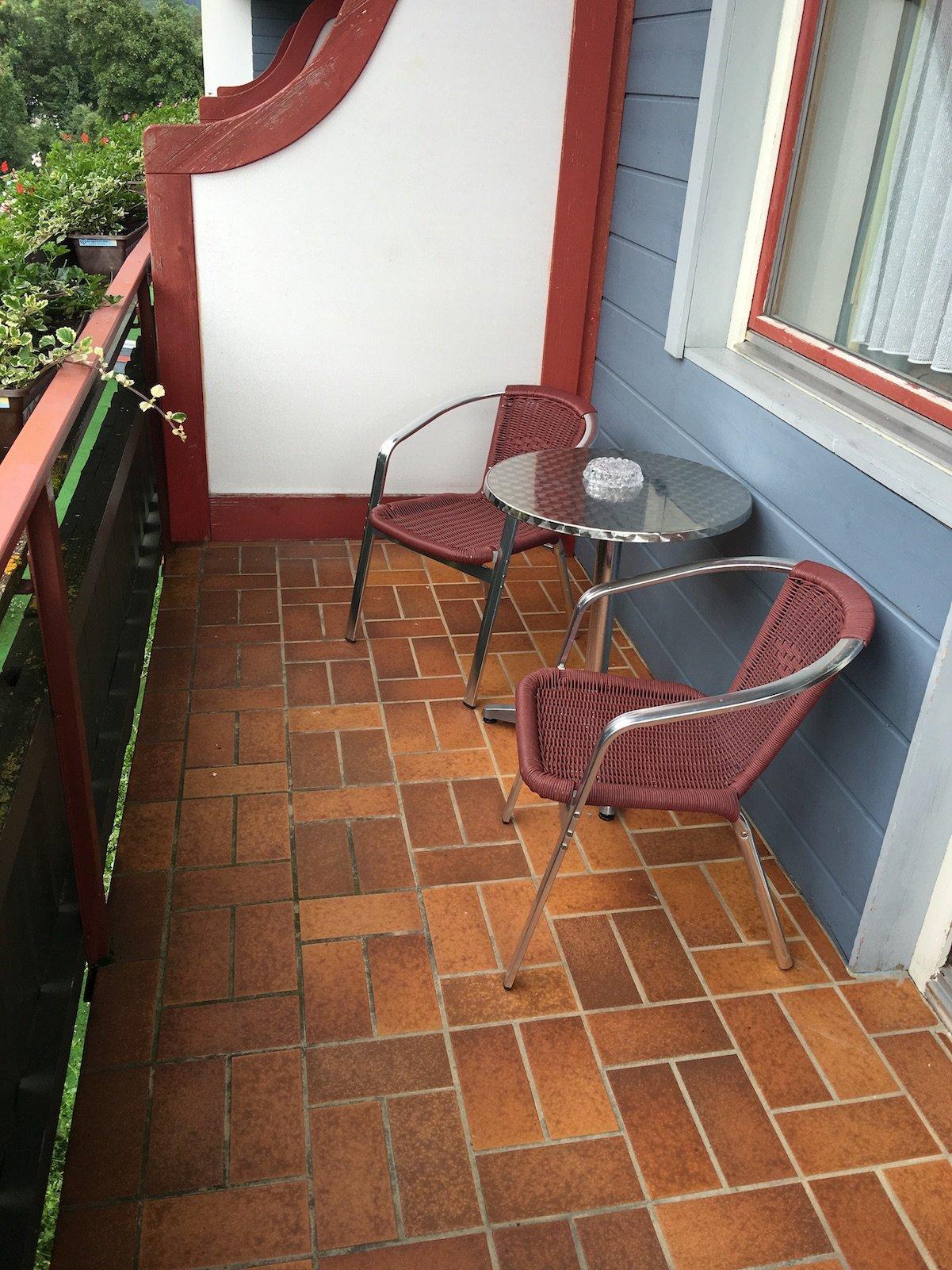 Balkon zu meinem Zimmer im Hotel Alpenrose in Elbigenalp