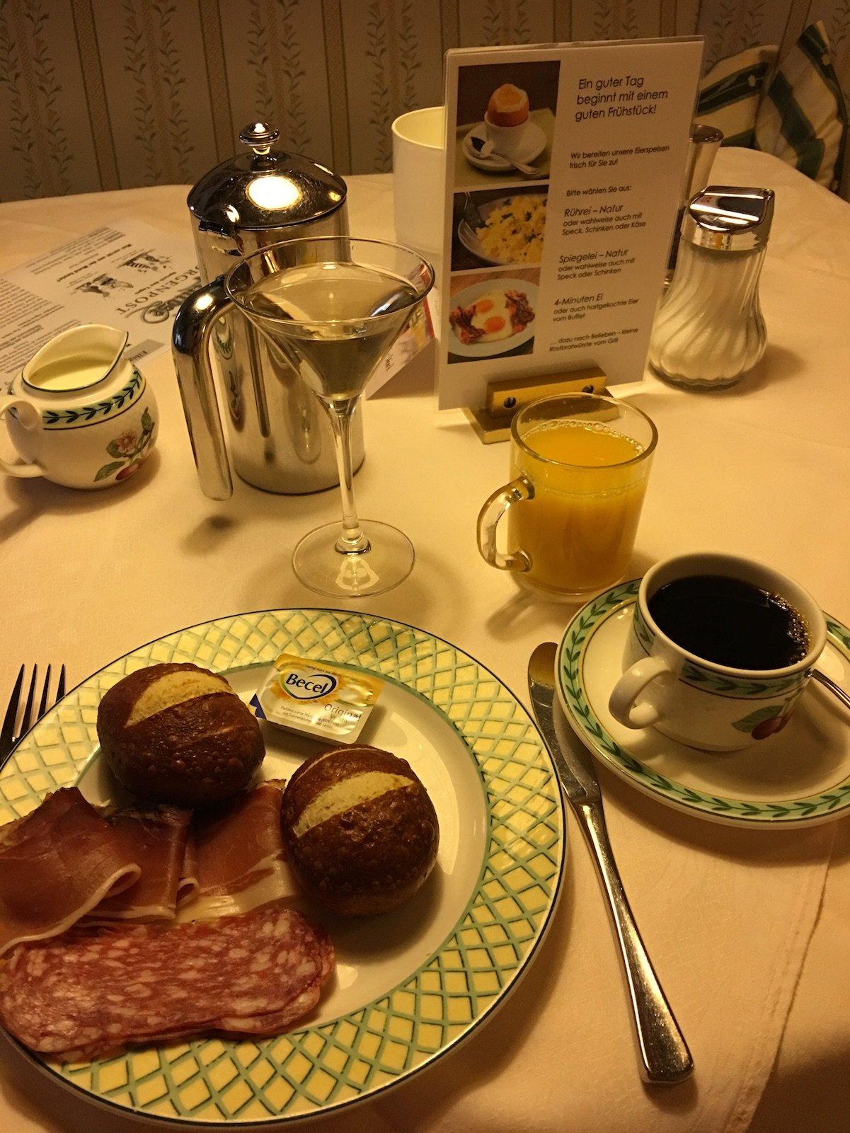Mein Frühstücksteller - mehr hab ich beim besten Willen nicht mehr geschafft
