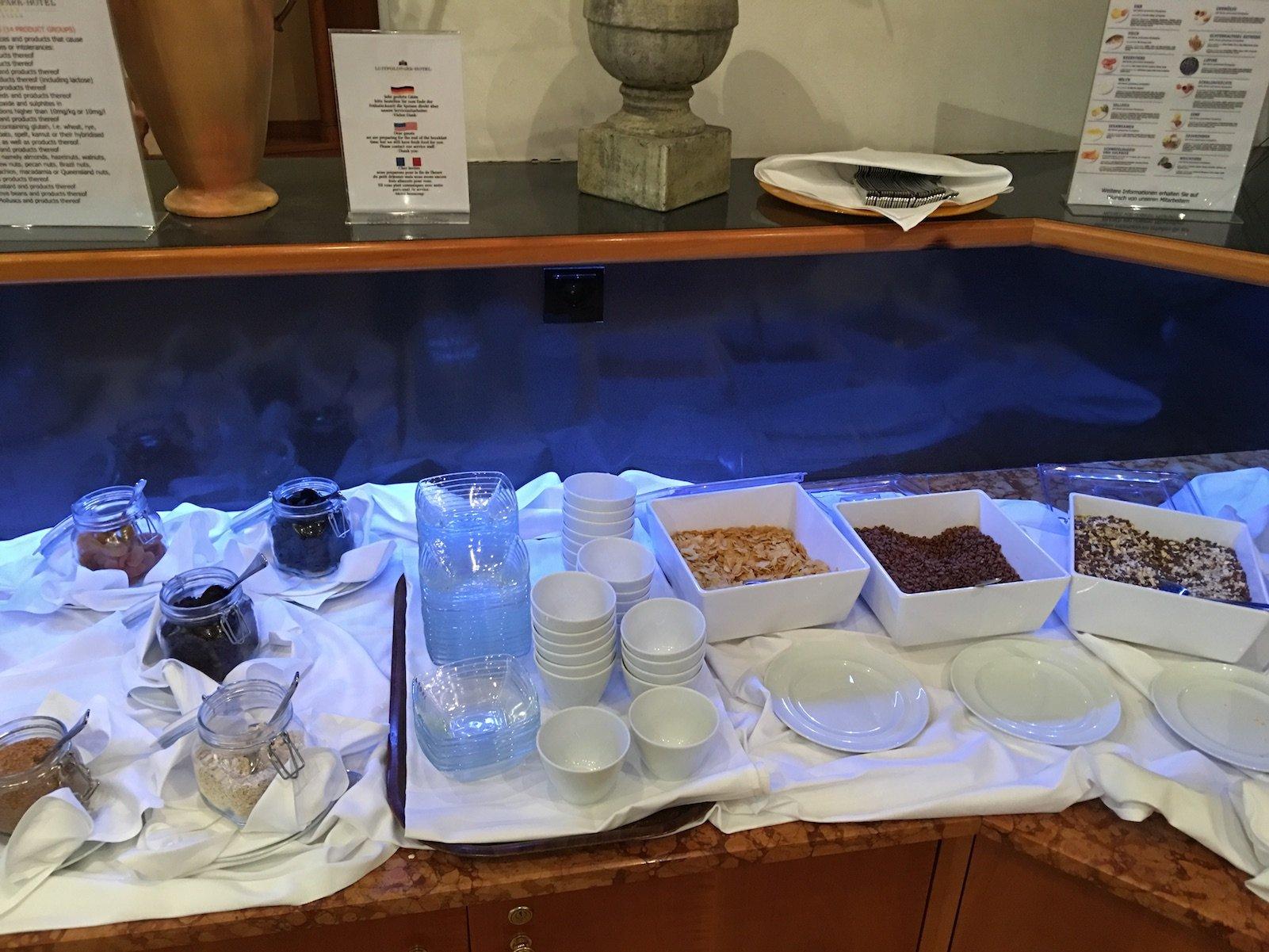Müsli und Trockenfrüchte zur Ergänzung zum Frühstück im Luitpoldpark-Hotel in Füssen