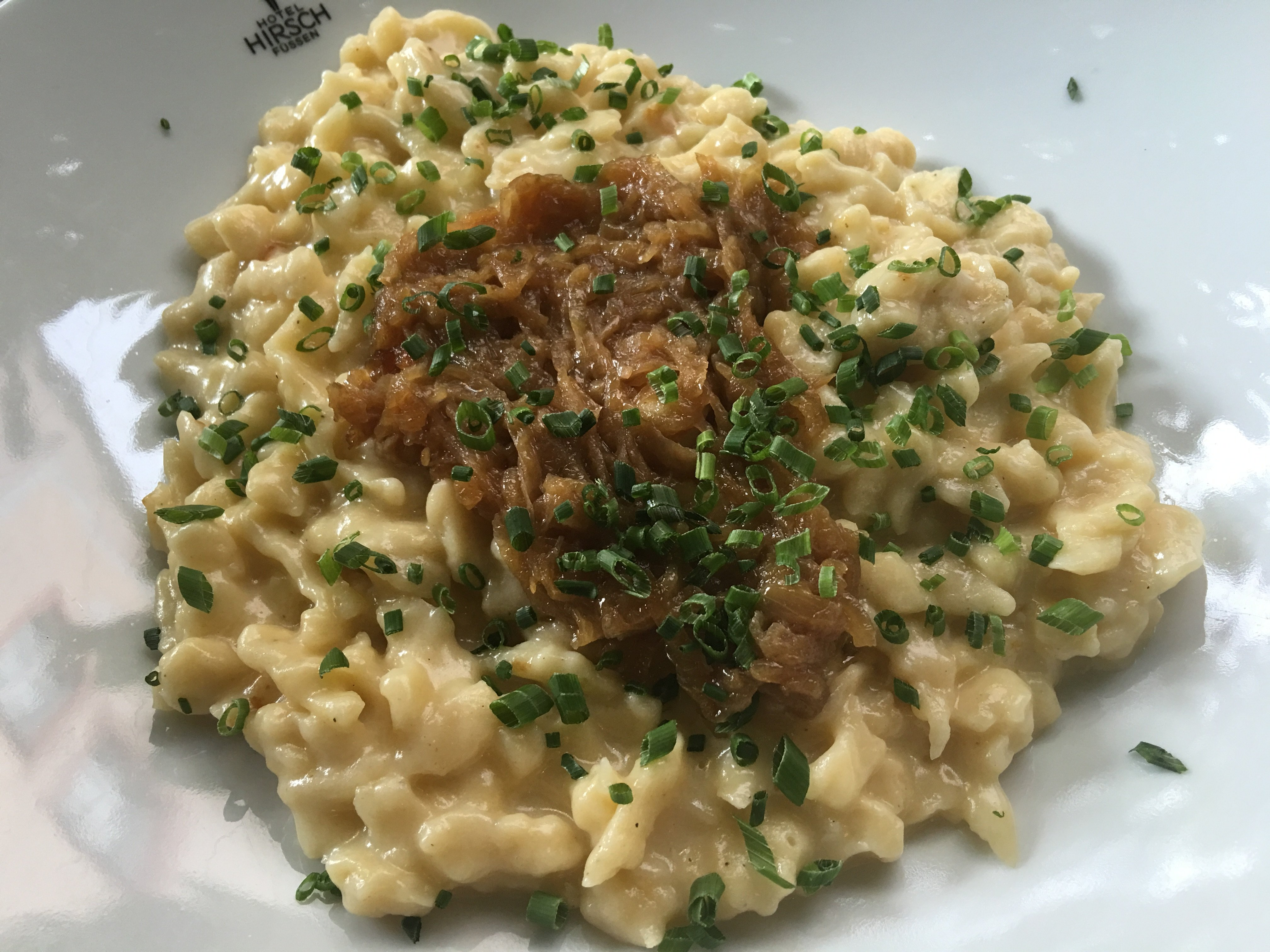 Kässpätzle im Restaurant im Hotel Hirsch in Füssen